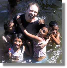 volunteer-w-river-kids